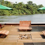 cristalino-jungle-lodge-floating-dock-and-resting-chairs