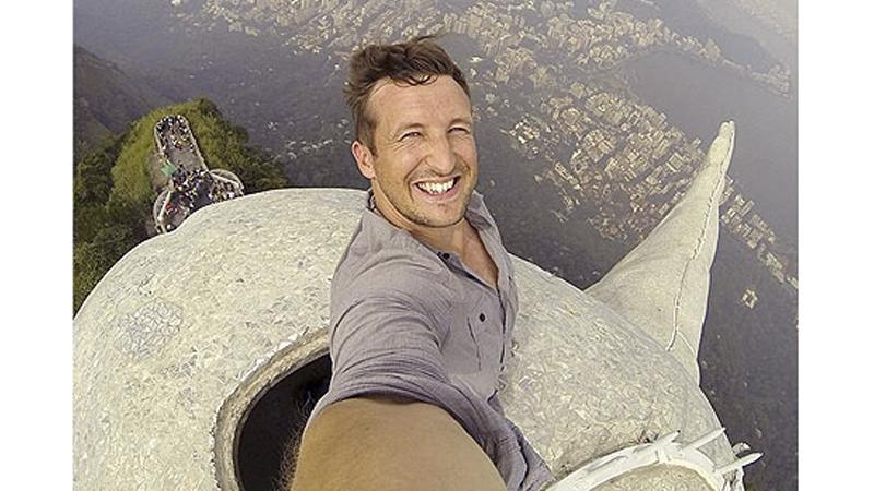 christ-selfie-800x450